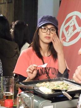Foto Kim Tae-hee saat makan - Artis Korea Selatan