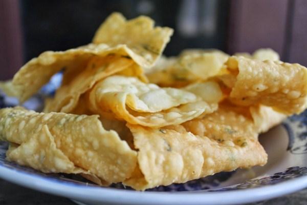 Resep Kue Bawang Renyah dan Gurih, Cara Membuat Kue Bawang Renyah dan Gurih