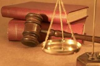 pháp luật tố cáo
