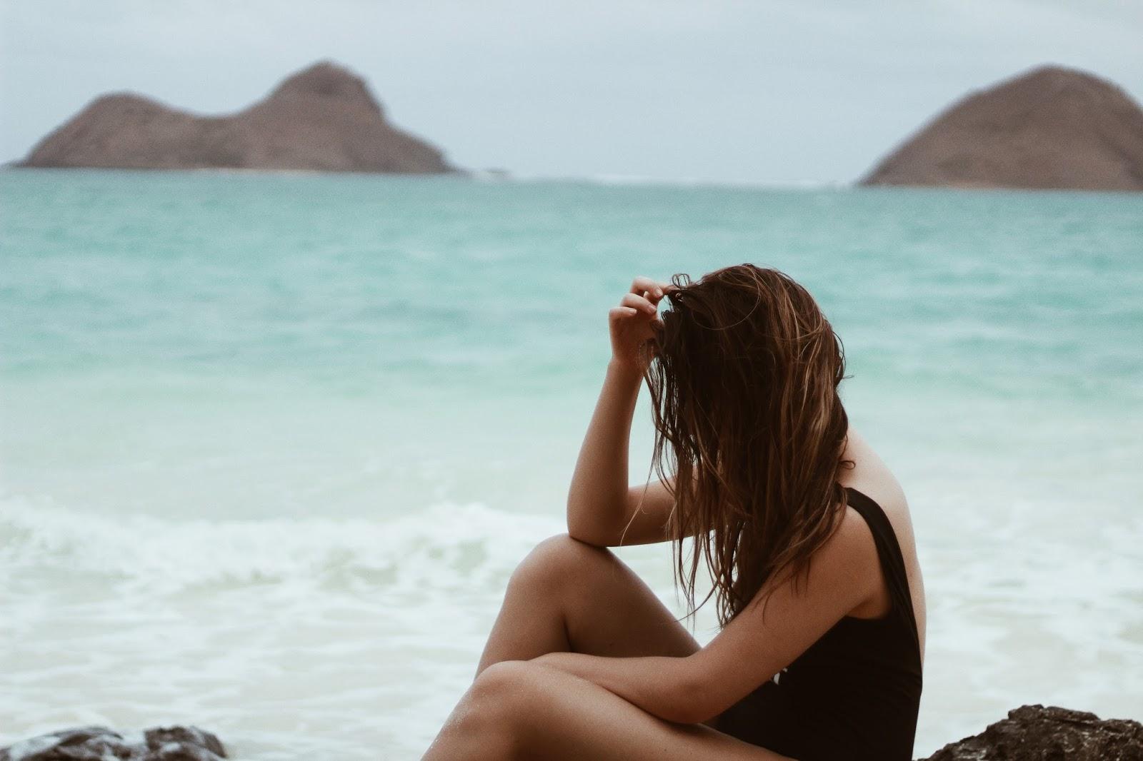 hot moody beach photo shoot