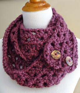 http://translate.googleusercontent.com/translate_c?depth=1&hl=es&rurl=translate.google.es&sl=en&tl=es&u=http://www.fiberfluxblog.com/2012/10/free-crochet-patternfiona-button-scarf.html&usg=ALkJrhj5ax_Vwxth2S0kZub1y9DBe2f6Kg