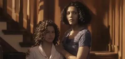 Inês (Gabriella Saraivah) e Shirley (Barbara Reis)