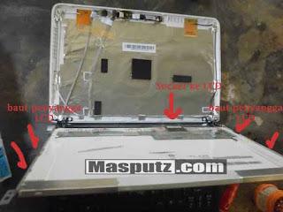 membongkar LCD notebook