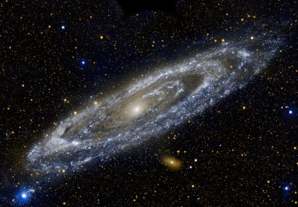 galaksi-andromeda-dalam-panjang-gelombang-ultraviolet-informasi-astronomi
