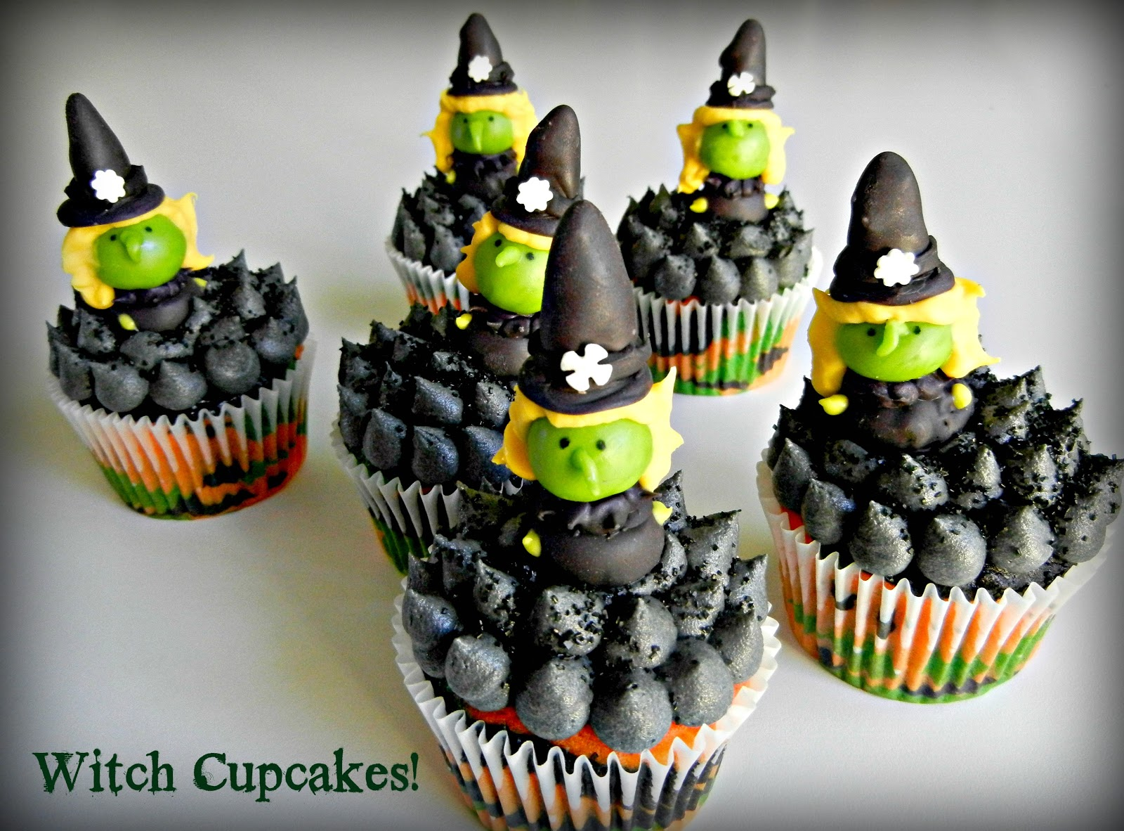 Sugar Swings! Serve Some: witchy cupcakes for halloween    !