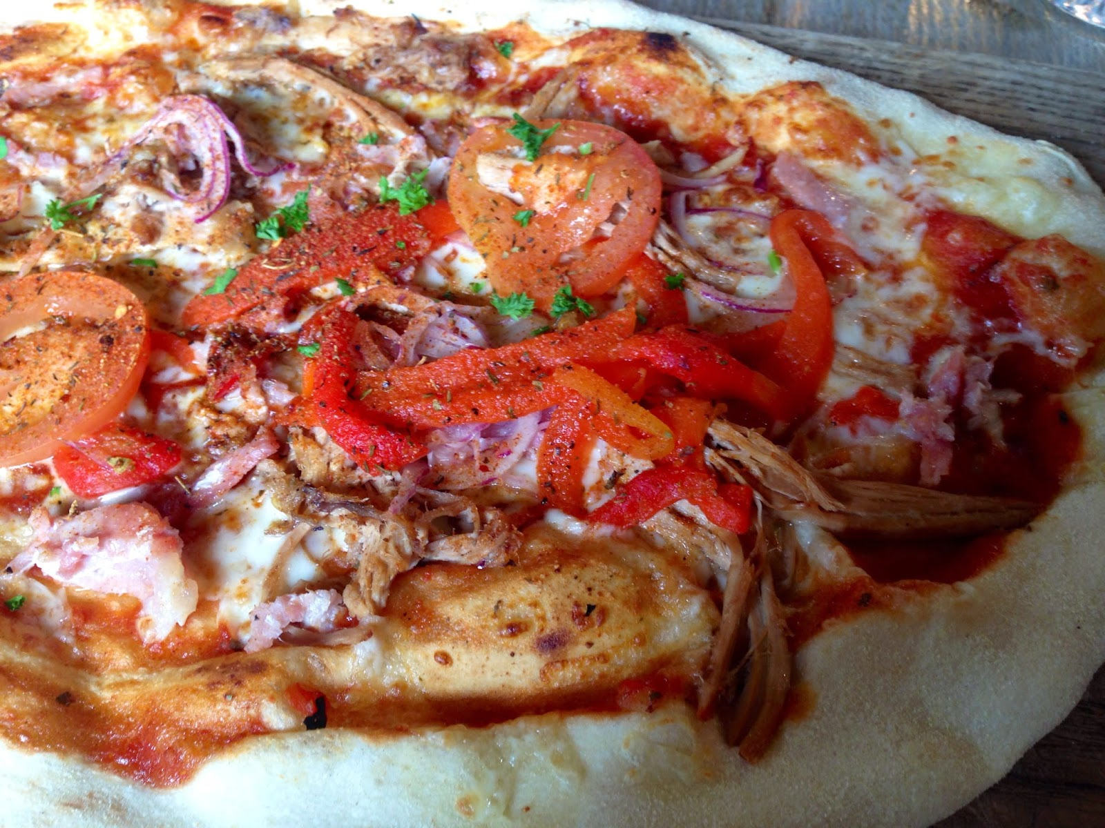 The Boston pizza at The Bulls Head, Repton, pulled pork pizza, gingey bites