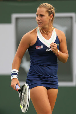Domonika Cibulkova penamin teni seksi dan manis