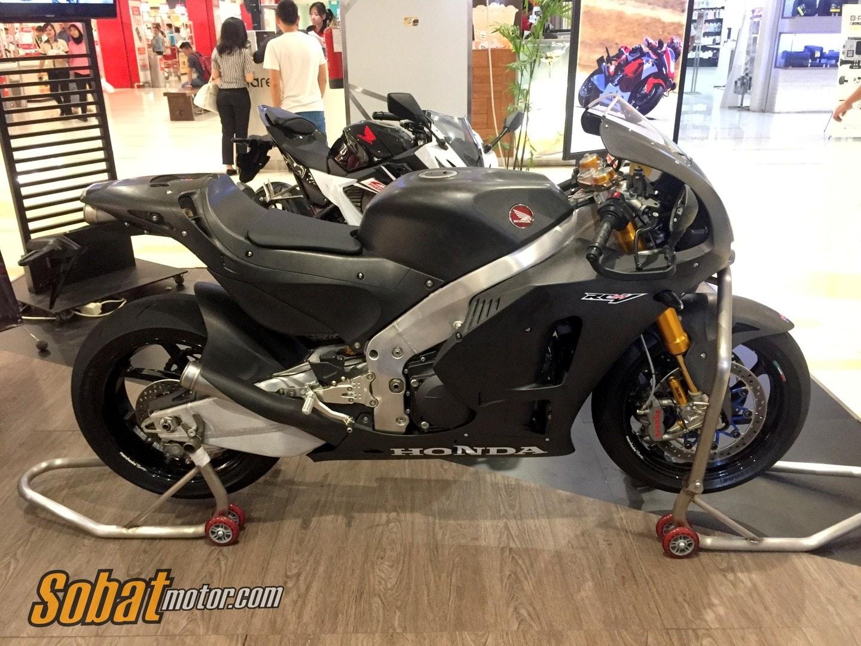 Astra Honda Motor berikan kesempatan untuk menjajal langsung motor Marquez di MotoGP Street Experience RC 213V-S !