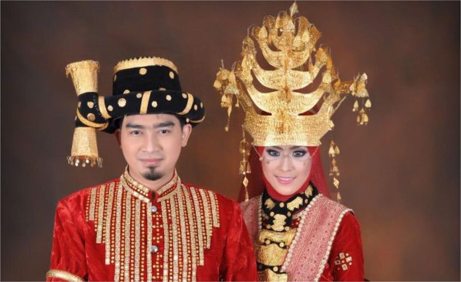 Pakaian Adat Melayu Sumatera Utara