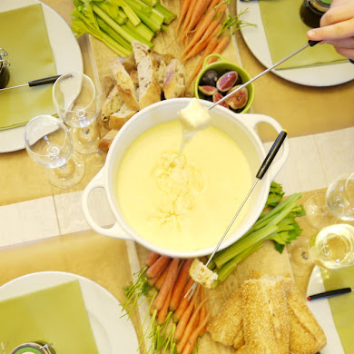 A Cheese Winter Fondue Party