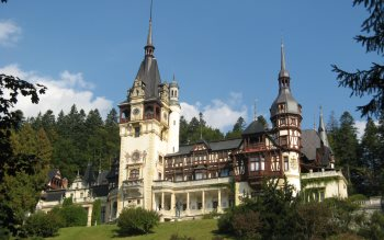 Wallpaper: Peles Castle
