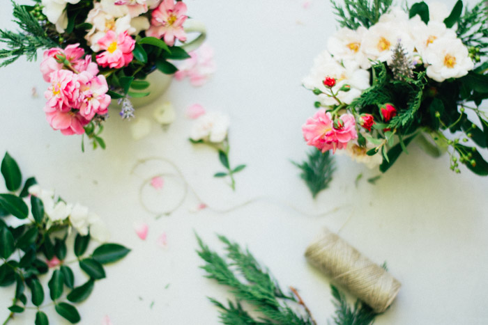 Centro de flores diy en una taza