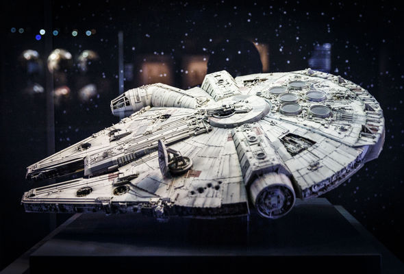 Millenium Falcon looks just like the Baltic sea anomaly