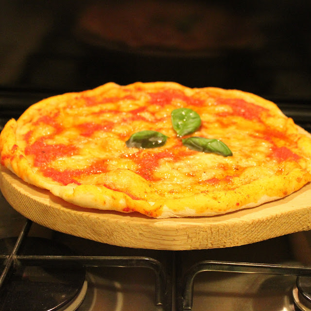 Pizza Class Hands on - Mama Isa's Cooking Classes near Venice Padua Italy