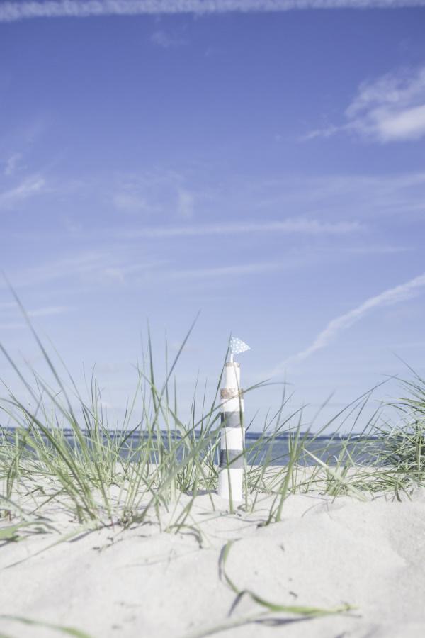 Große Strandliebe: DIY Leuchtürme als maritime Deko. Ahoi von titatoni.de!