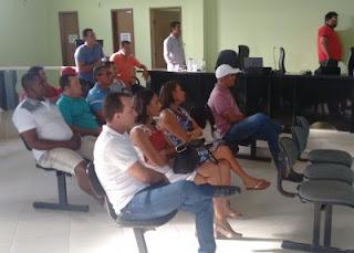 VEREADOR DE PONTO NOVO COM SALÁRIO AMEAÇADO