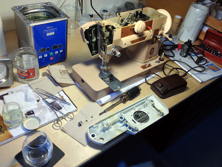 the vintage singer sewing machine blog. Black Bedroom Furniture Sets. Home Design Ideas
