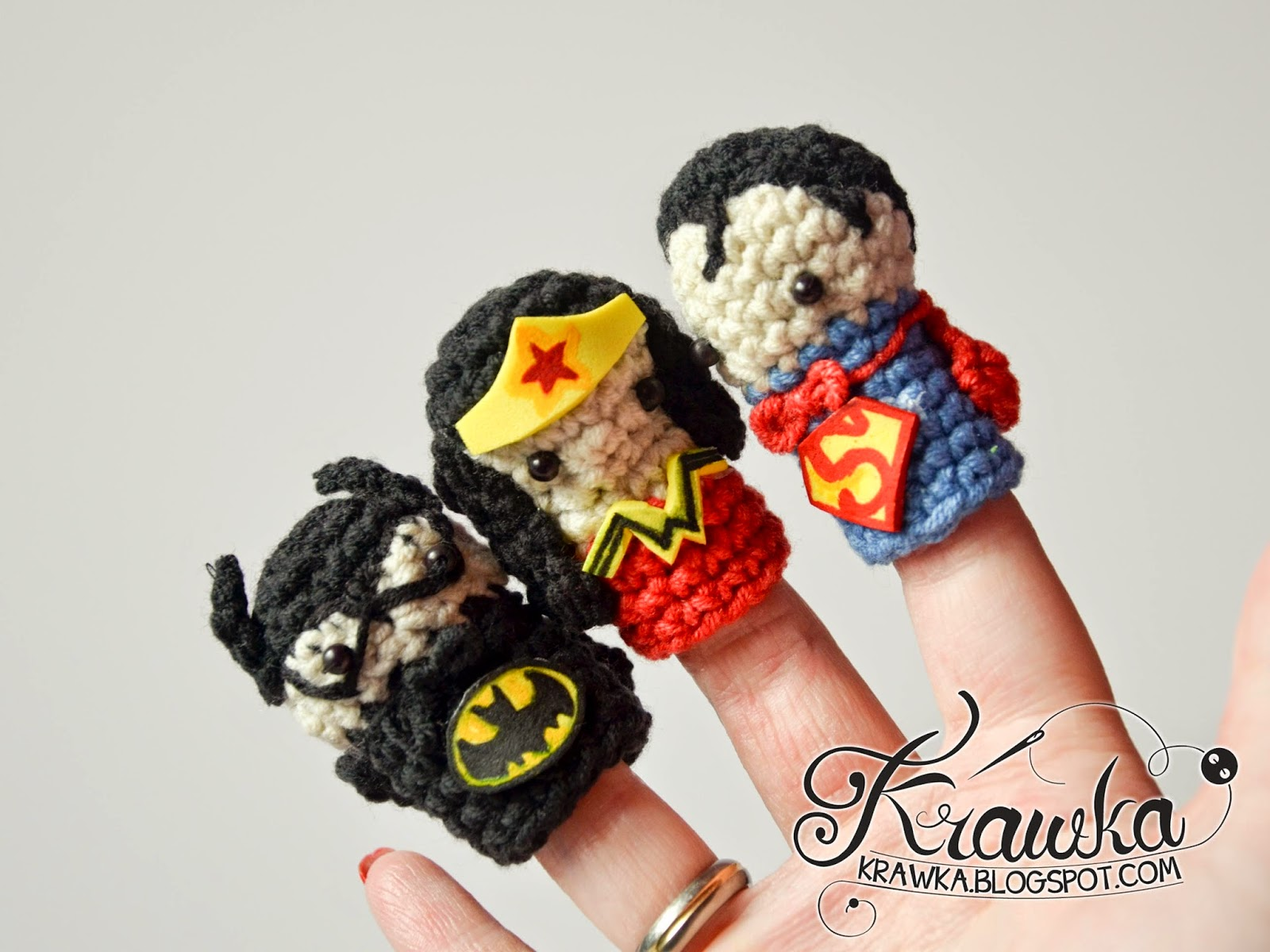 1442265d50e Krawka  Cute set of crochet finger puppets with FREE patterns. Justice  League   Superman