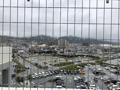 イオンモール四條畷ウォーキング 屋上駐車場からの眺め 飯盛山麓