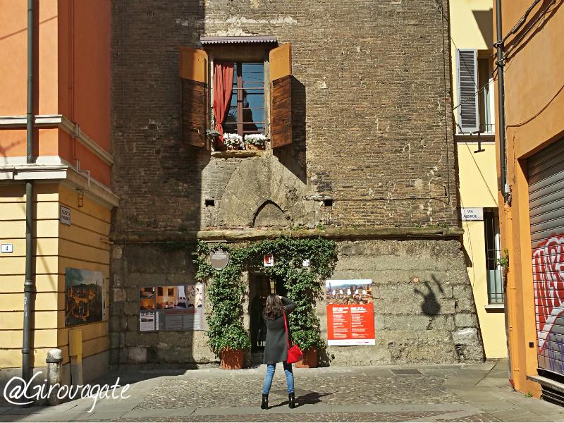 IDEE di VIAGGIO  GIROVAGATE Bologna imperdibile il Torri Tour e il panorama dalla Torre