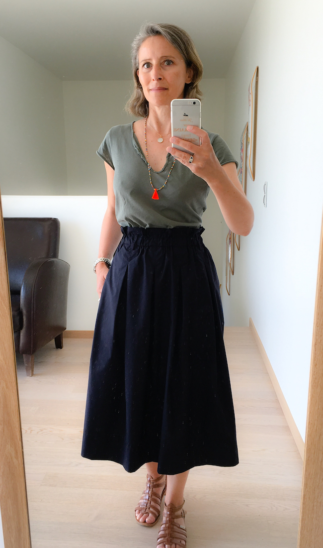 jupe midi uniqlo & collier littlegrigri