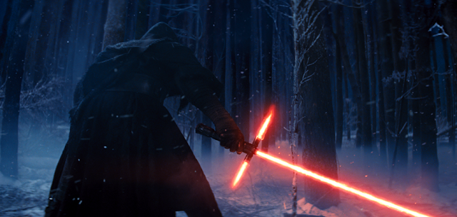 Noua sabie laser pe care o mânuieşte personajul Kylo Ren în Star Wars: The Force Awakens