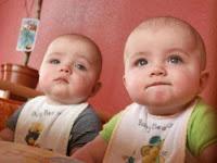 صور اطفال توائم