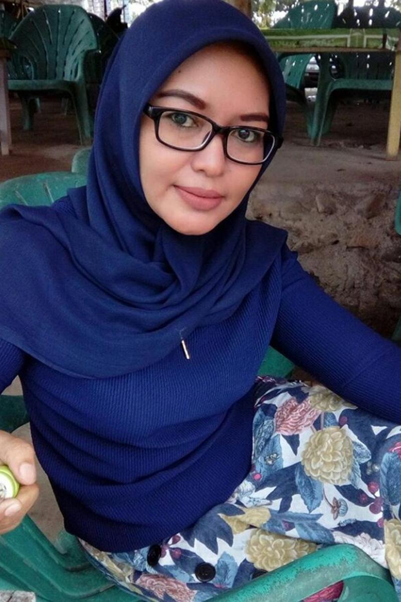b ing Cewek IGO jilbab Cantik