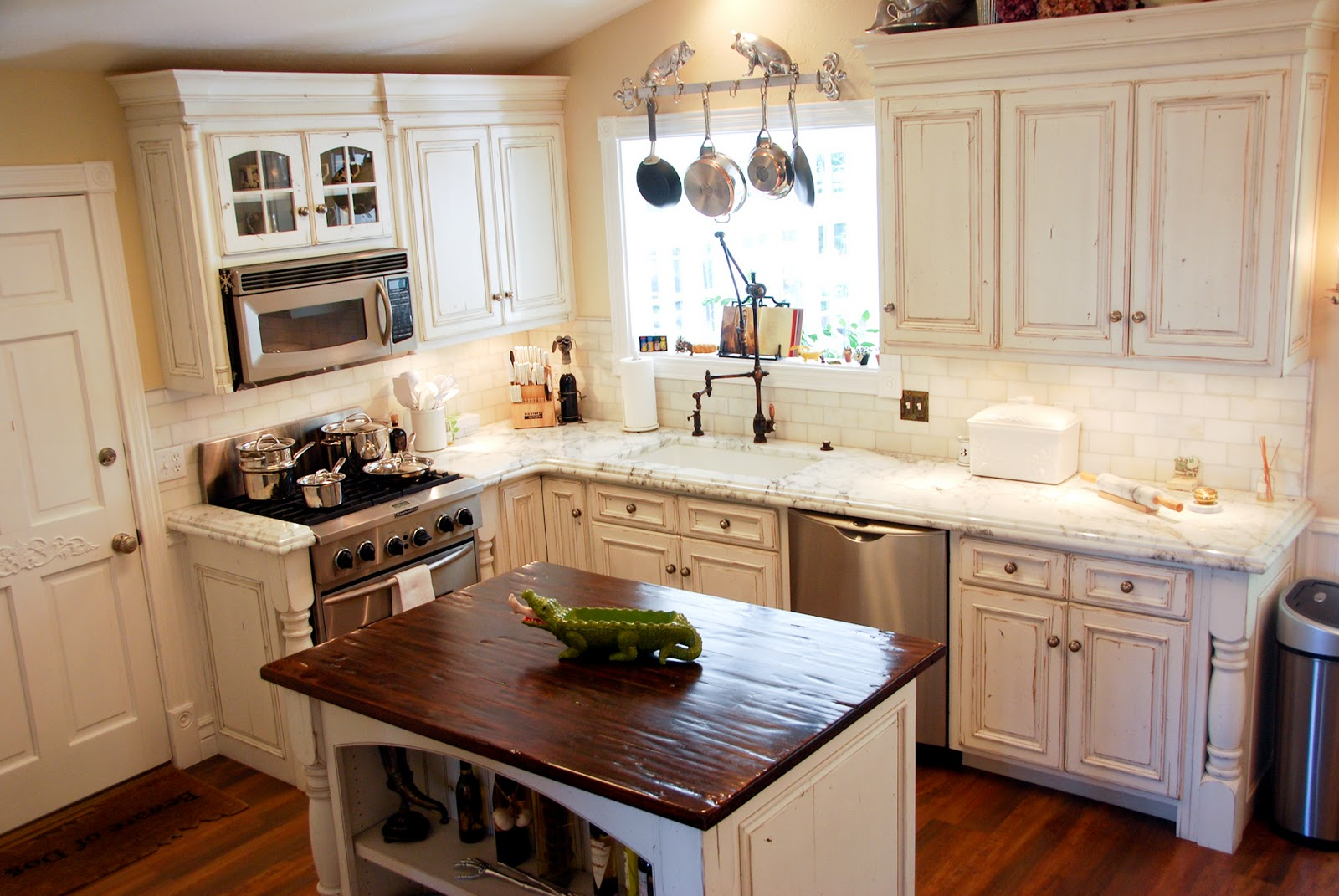 17 - Tuscan Style Kitchen