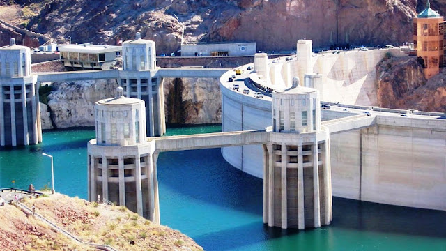 Getting to the Hoover Dam in Las Vegas