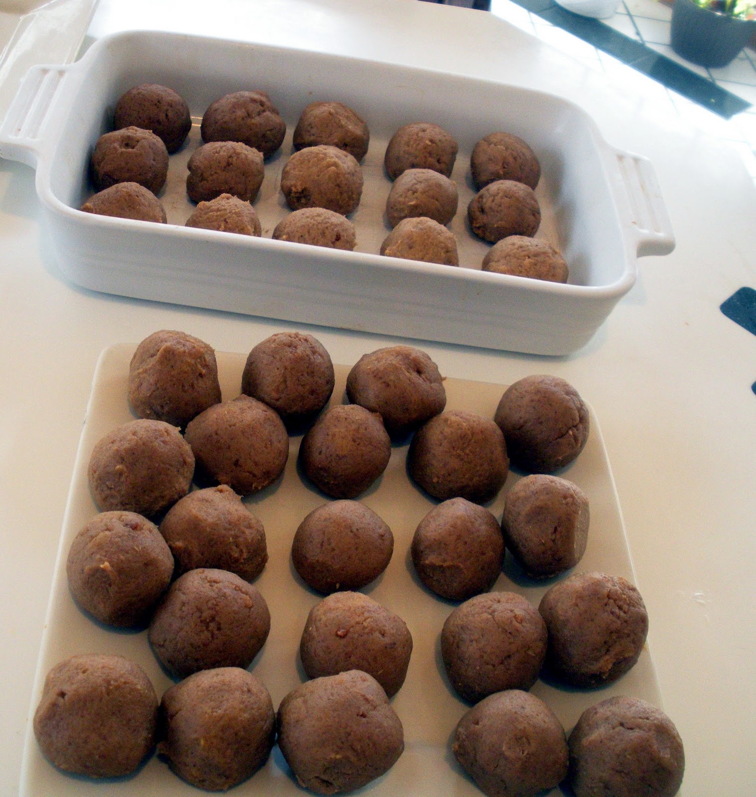 Dipping Cake Balls In Chocolate Tips