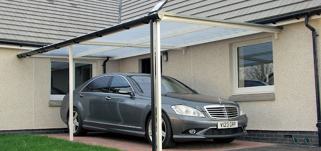 Car port with Mercedes inside