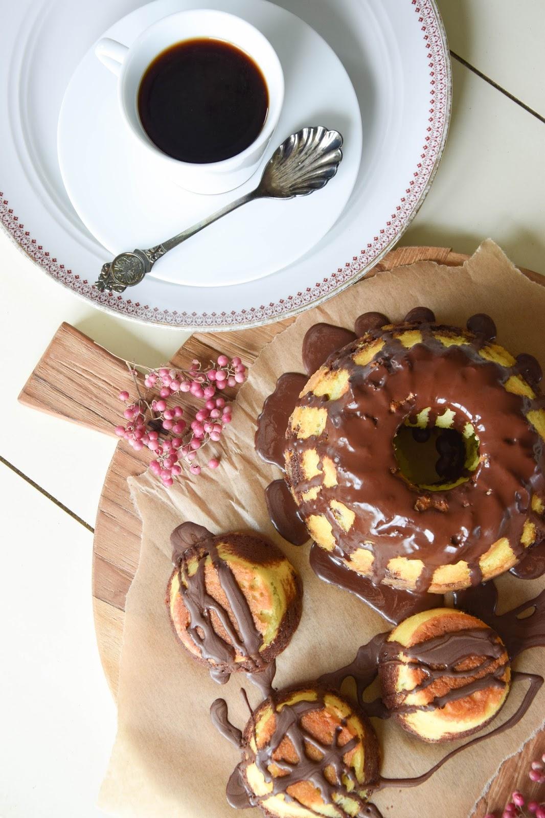 Rezept für leckeren Marmorkuchen und Muffins aus Marmor-Teig