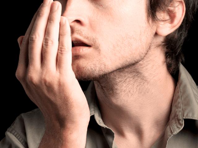 Penyebab Bau Mulut yang Bikin Kita Malu Saat Bergaul