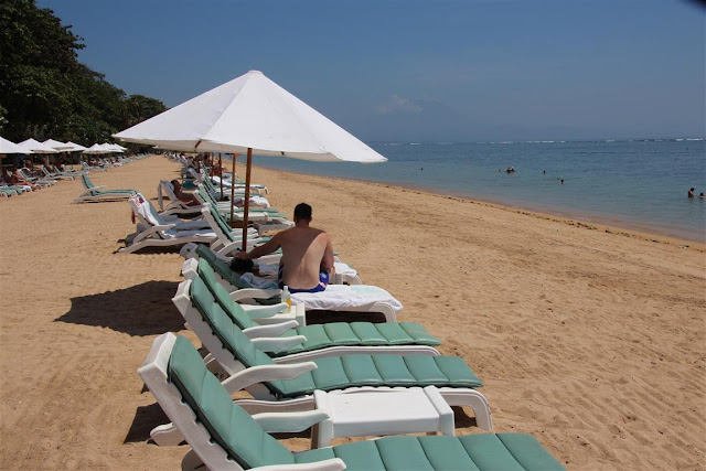 Sanur Beach am Bali Hyatt (C) JUREBU