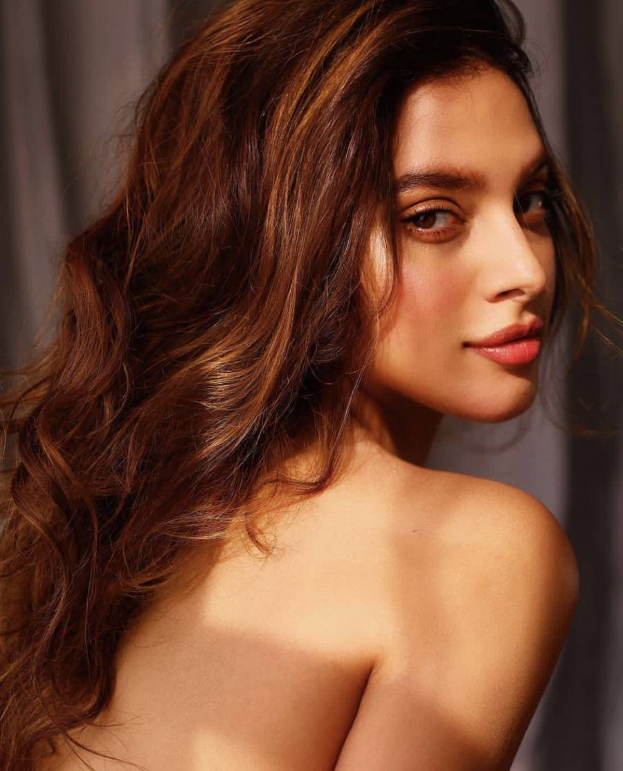 models Beautiful indian bikini