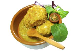 Platillo de Albondigas con curry