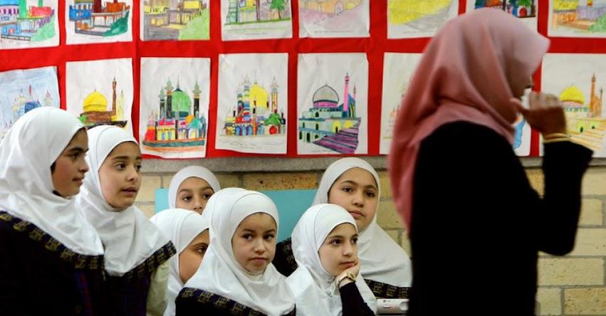 Prohíben el uso del velo islámico en colegios de Austria y genera polémica en la Red