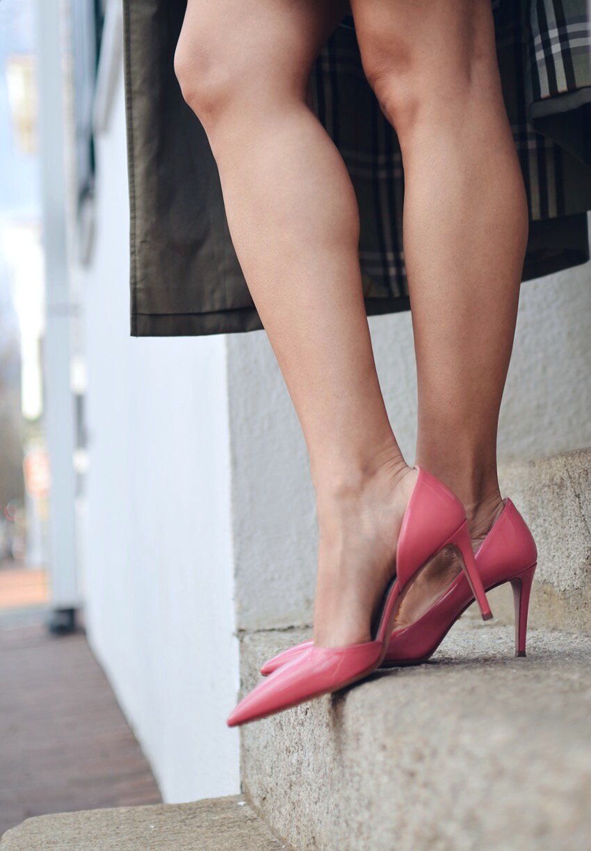 Pink shoes street style