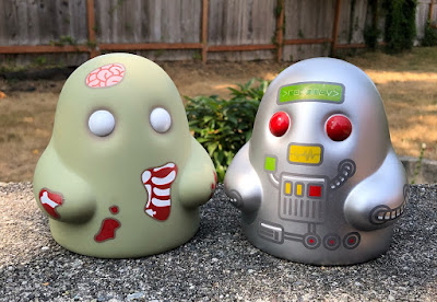 Tiny Ghost Zombie & Robot Edition Vinyl Figures by Reis O'Brien x Bimtoy x Bottleneck Gallery