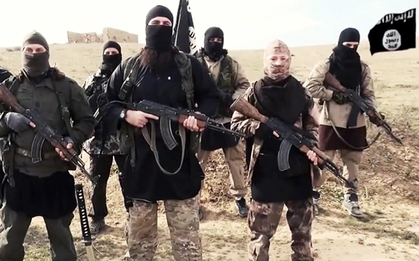 """Estado Islâmico anuncia que cristãos terão um """"Natal sangrento"""""""