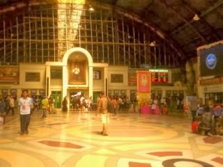"<a href=""url gambar""><img alt=""stasiun kereta hualampong train station bangkok thailand"" src=""urlgambar"" title=""stasiun kereta hualampong train station bangkok thailand"" />"