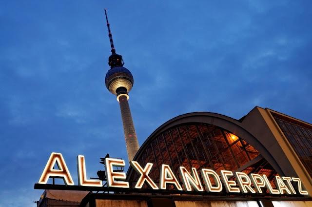 Torre de TV na Alexanderplatz em Berlim