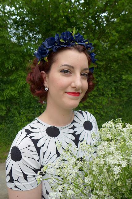 porter une couronne de fleurs