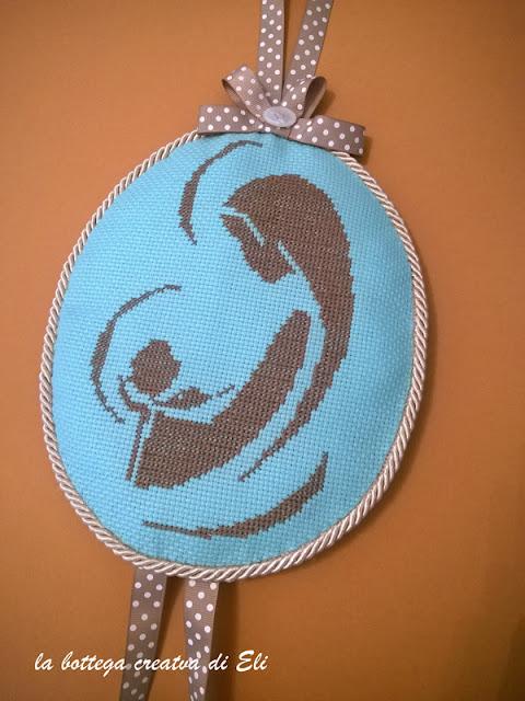 medaglione-ricamato-con-madonna-per-nascita