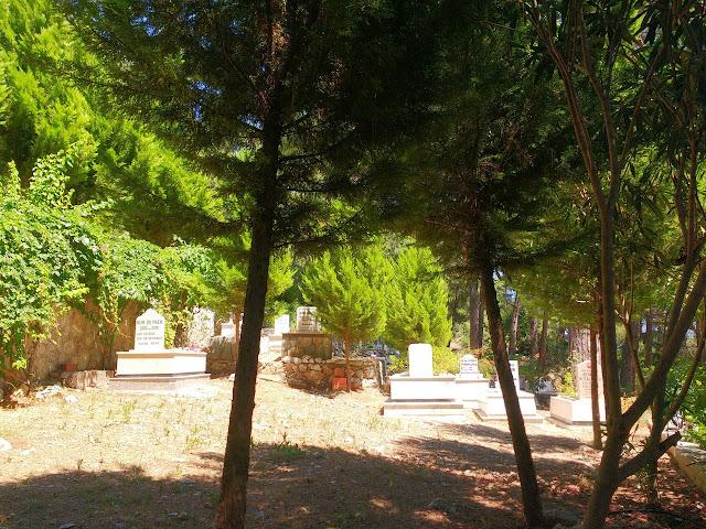 Турецкое кладбище у Турунча. Горная тропа. Пеший поход из Мармариса в Турунч.