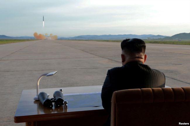 Dictador norcoreano prosigue las pruebas de lanzamiento de misiles intercontinentales