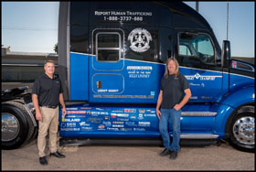 Collin Stewart and Kelly Lindsey with the Truckers Against Trafficking Everyday Heros 2019 Kenworth T680
