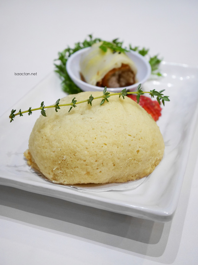 Char Siew Snowy Bun (RM6.90 for 2pcs)