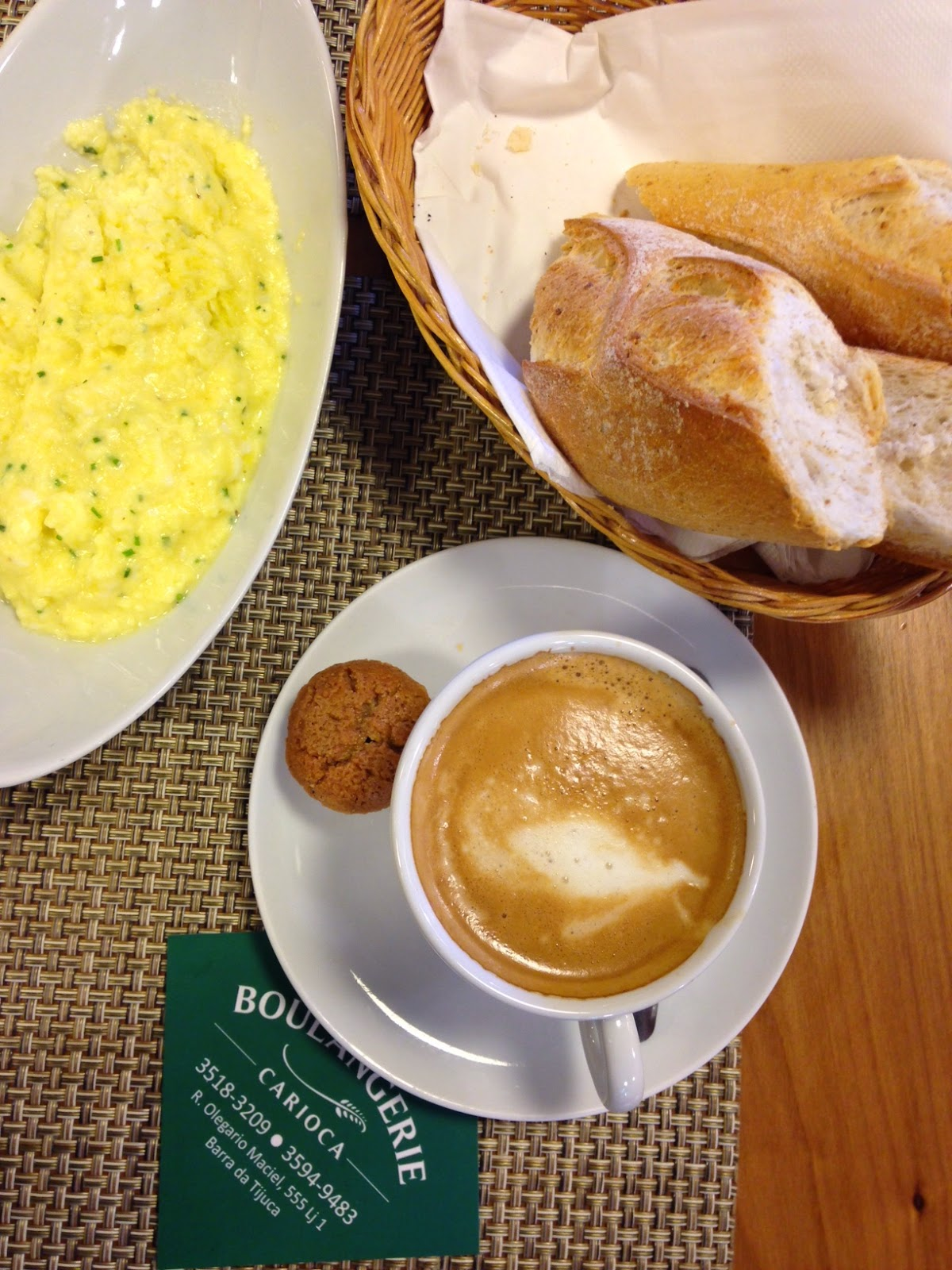 Café da manhã delicioso na Boulangerie Carioca